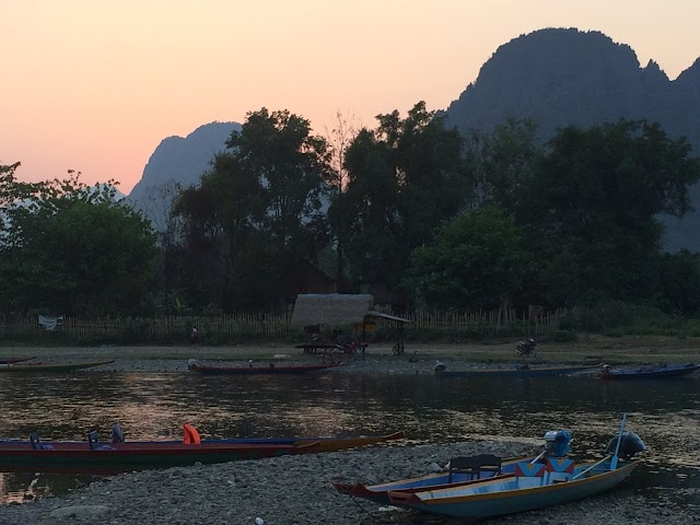 Short Laos Travel Facts