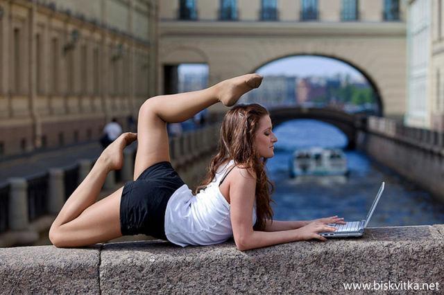 plastik kız elastik kız fotoğrafçılık fotoğraf profesyonel fotoğrafçılık rusya sıcak denizler rus kızları rus kızı elastik pozisyon tatlı kızlar rus kızı türk erkekleri neden rus kızları seviyor