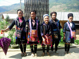 Black H'mong Ethnic Minorities in Sapa 2