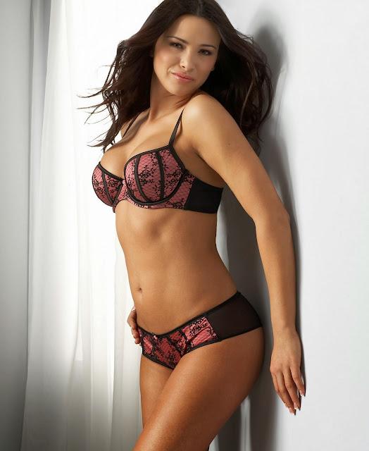 Alina Vacariu bikini model