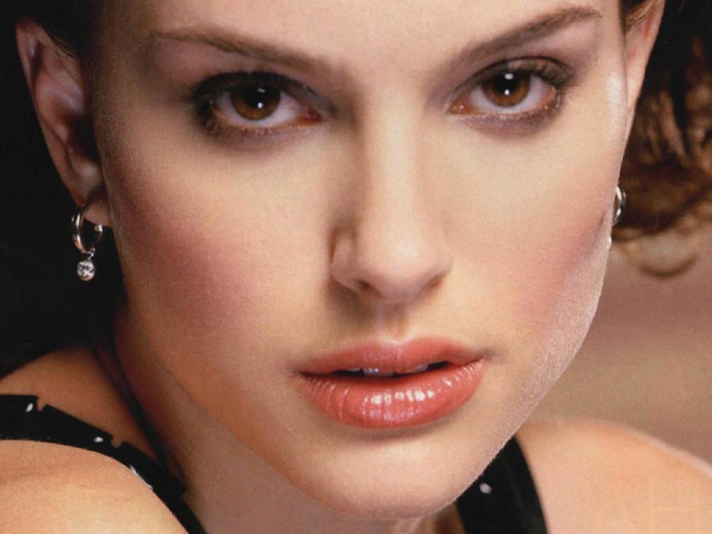 http://1.bp.blogspot.com/-zODAbOT05z0/TbOZk5dBoSI/AAAAAAAAAN0/KjXnq8maHdM/s1600/Natalie-Portman-natalie-portman-4895513-1024-768.jpg