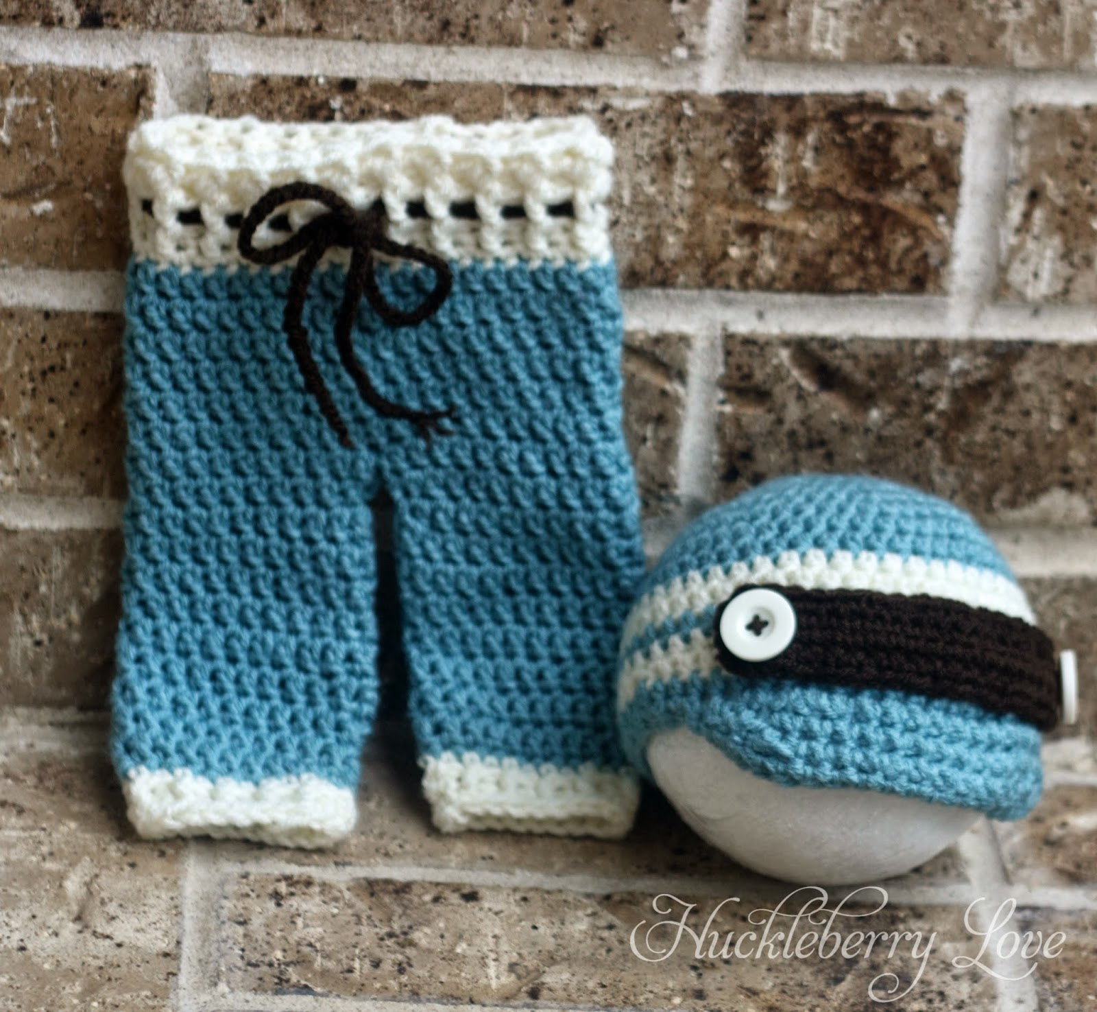 Crochet Pants : Here is the matching hat to these super cute crochet pants!