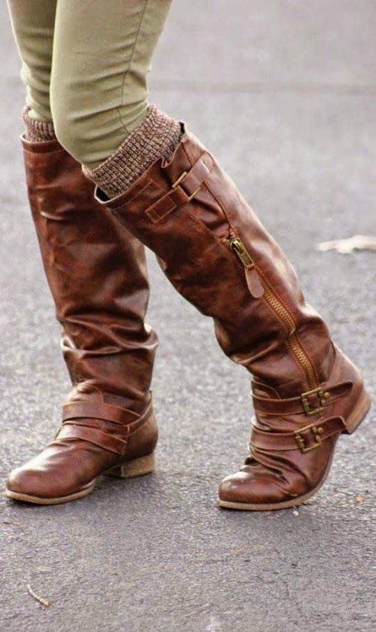 Winter long boots for girls is an important necessary to talk about this winter season. At the starting of winter season girls or women rely on old formal winter shoes but with the increase in cold they tend to buy long boots.