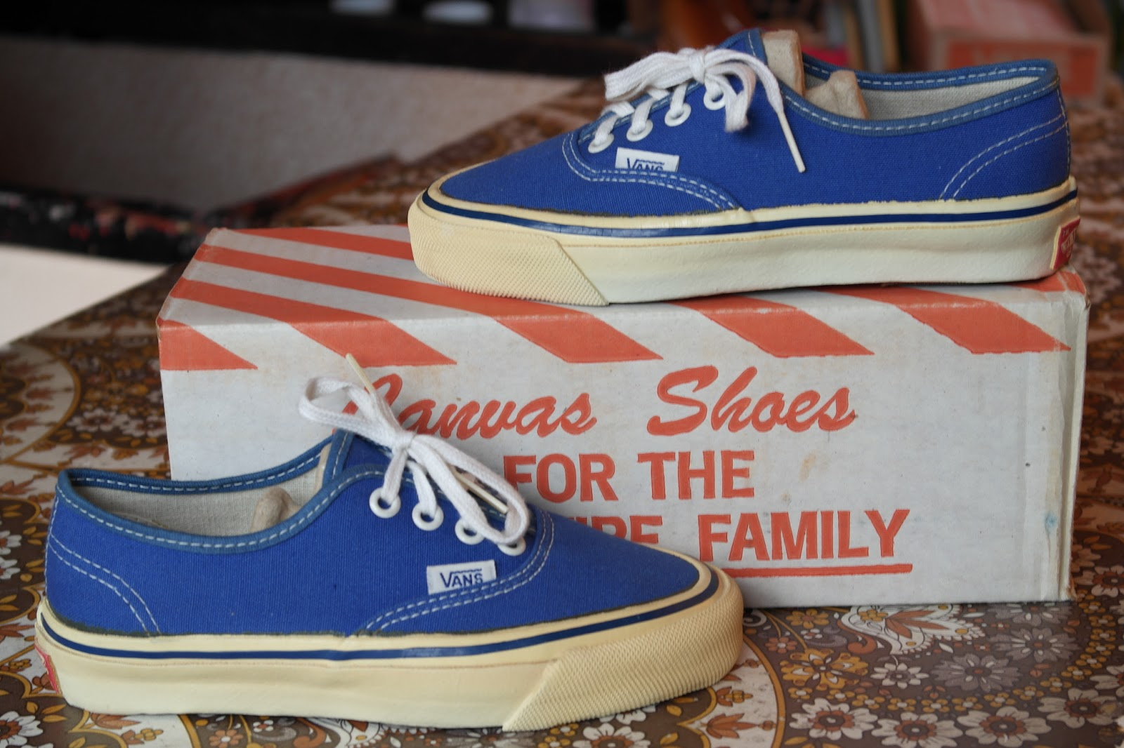 vans family authentic