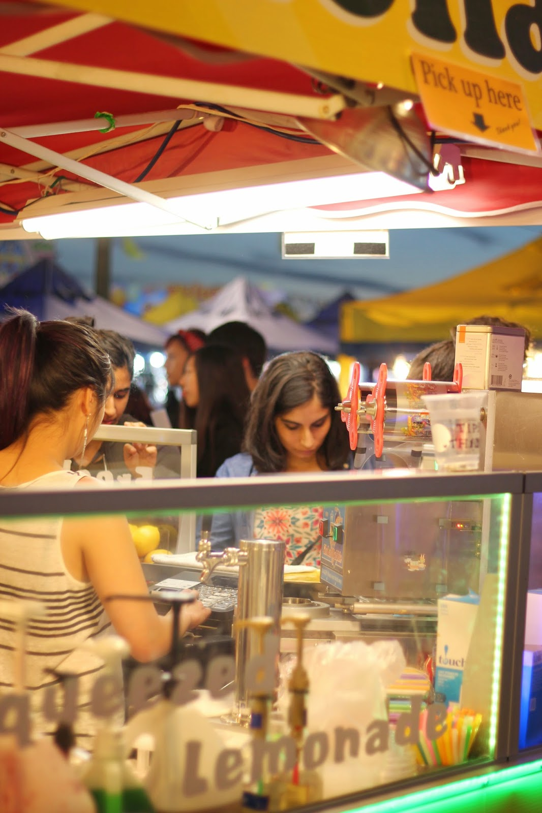night market www.footnotesandfinds.com