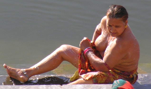 AUNTIES HOT WET BODY IN RIVER. | Stephani As Soon As Naked ...