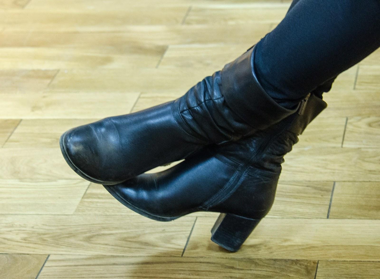Tip για να βγάλετε τα σημάδια από τακούνια σε πλακάκια και πάτωμα
