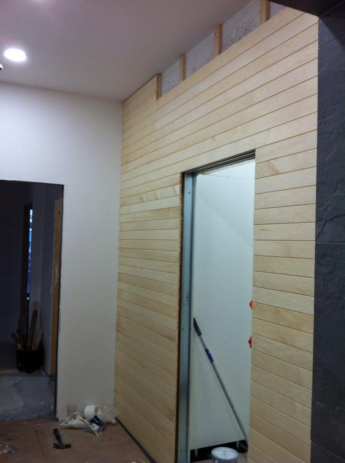 Pukuhuoneen seinät