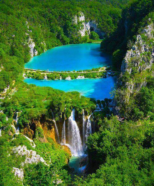 Turquoise-colored lakes in Plitvice Lakes National Park, Croatia