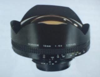 wide angle zoom lens merupakan jenis lensa camera dslr yang populer bagi fotografi pemandangan atau arsitektur