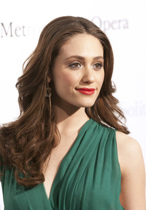 TOP 20 Celebrity Emmy Rossum Fashionable Hairstyles 01