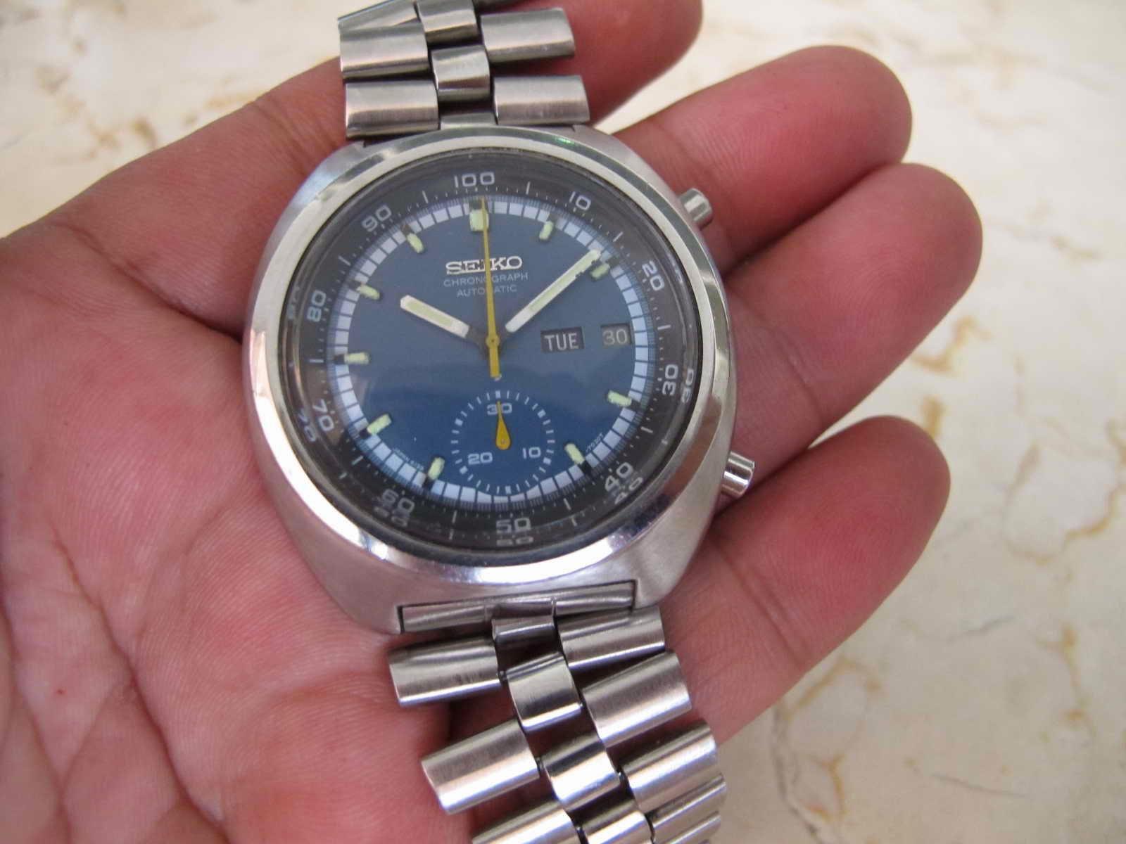 Cocok untuk Anda yang sedang mencari jam legendaris Seiko Chronograph  dengan sebutan JENGKOL ini... dengan kondisi maknyus. 4571669560