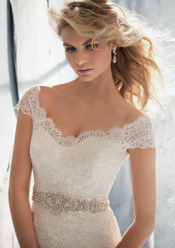 Wedding Dresses With Belts