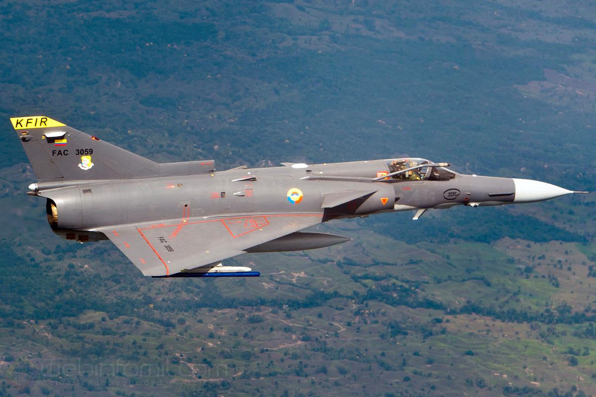 El Escuadrón 111 Kfir de la Fuerza Aérea Colombiana está nuevamente en aire y con plenas capacidades operativas luego que sus aviones de alto rendimiento fueran sometidos a un exhaustivo proceso de inspección y mantenimiento general, debido a una seguidilla de accidentes que puso en entredicho el futuro operativo de la flota supersónica de la FAC.