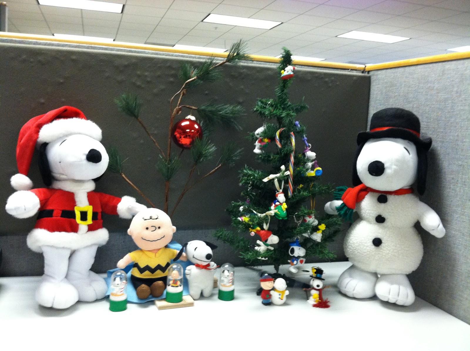 santa snoopy charlie brown christmas tree snoopy christmas tree made with snoopy ornaments and snoopy key chains snoopy snowman charlie brown that plays - When Was Charlie Brown Christmas Made