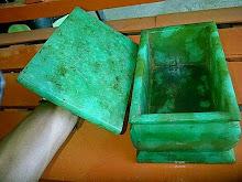 batu giok bentuk kotak