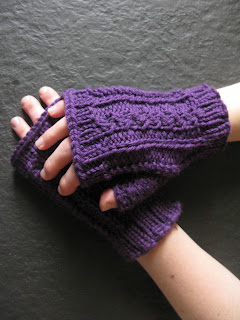 cabled mitts free knitting pattern