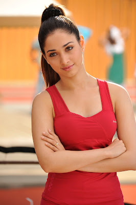 tamanna milky in saree spicy in racha actress pics