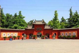 The Whole View if White Horse Temple, you will visit when you take a China tour to Luoyang.