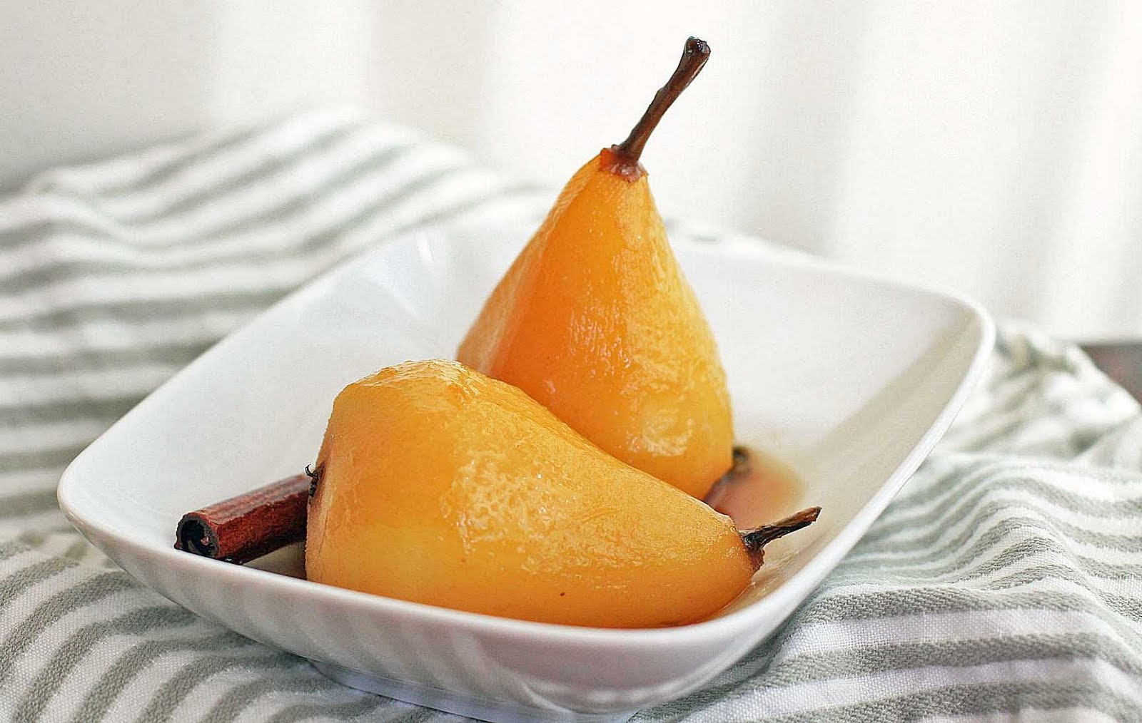 Poached Pears in a Spiced Honey Syrup | Girl Cooks World