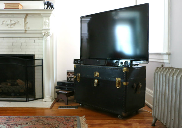 Before Amp After From Throw Away Trunk To Repurposed Tv