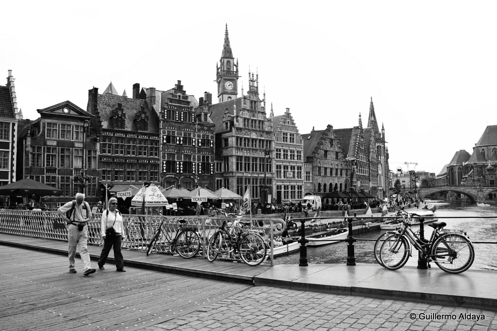 In Ghent, Belgium, by Guillermo Aldaya / PhotoConversa