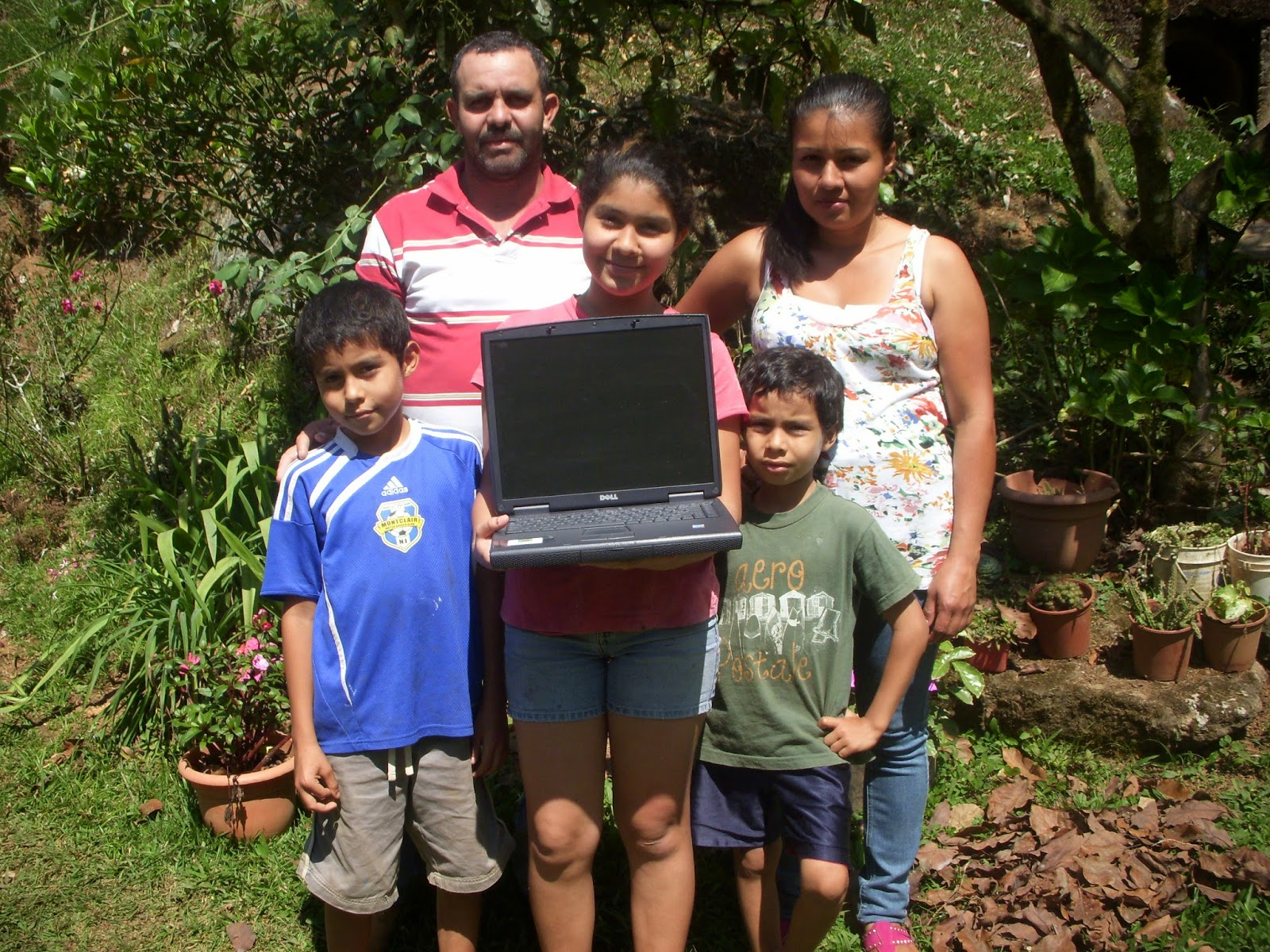 pedregosito family receives laptop from costa rica pc rescue
