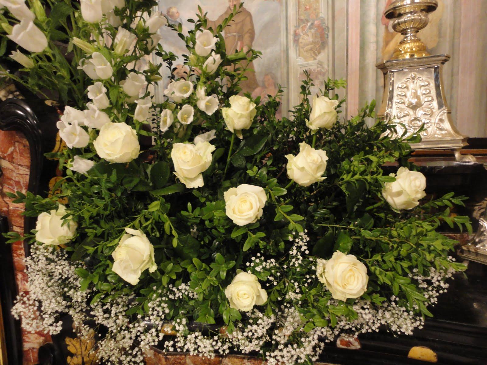 Arte floreale per la liturgia foto dell 39 addobbo realizzato in occasione della prima comunione - Addobbo tavola prima comunione ...