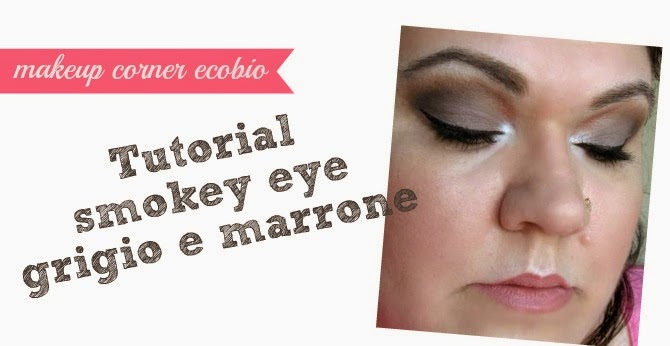 look con makeup ecobio con smokey eyes sul grigio e marrone