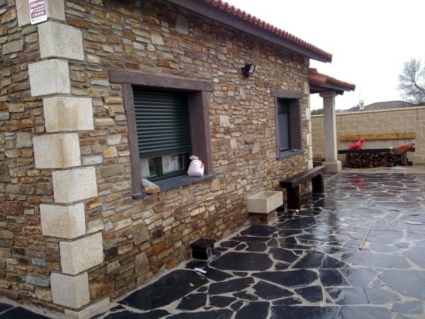 Marzua fachadas de piedra for Piedra barata para paredes