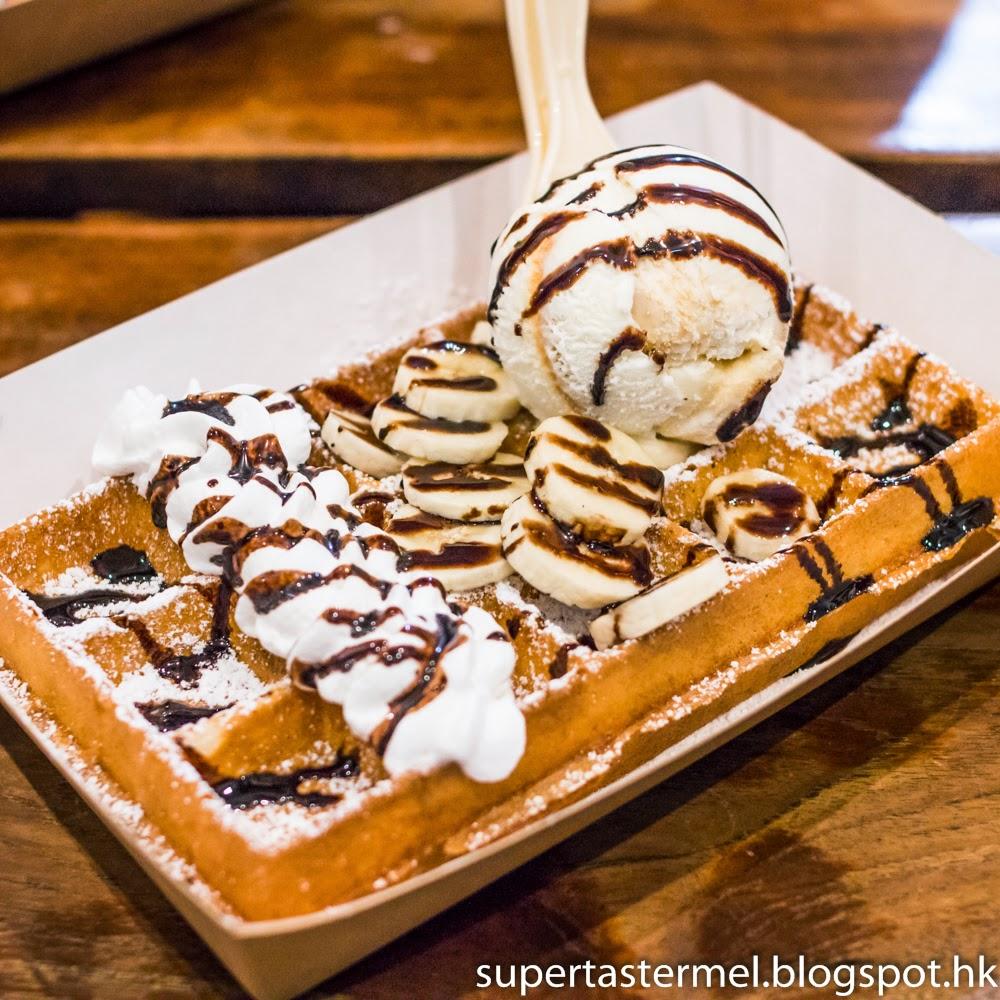 Belgian Waffle Desserts at Waffills | supertaster Mel