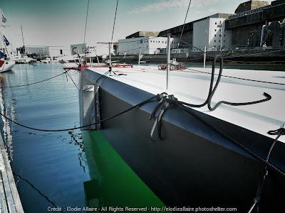 L'IMOCA de Andrea Mura à Lorient après sa mise à l'eau.