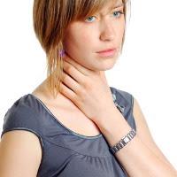 Obati Jerawat dengan Antibiotik Bisa Sakit Tenggorokan