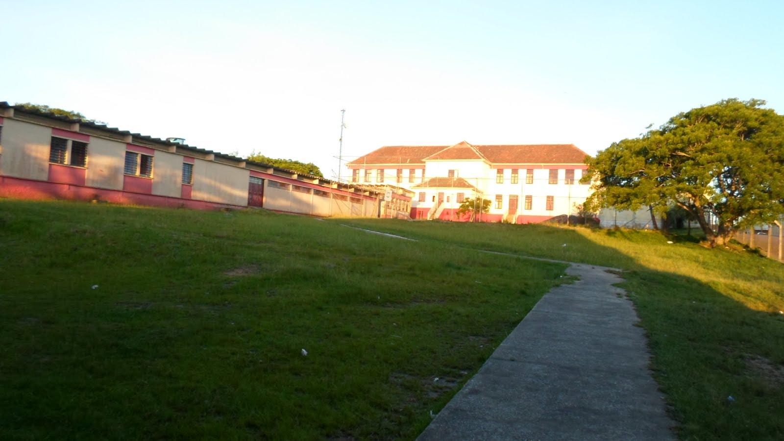 Num final de tarde, a bela visão do fundo do nosso Hipólito Ribeiro