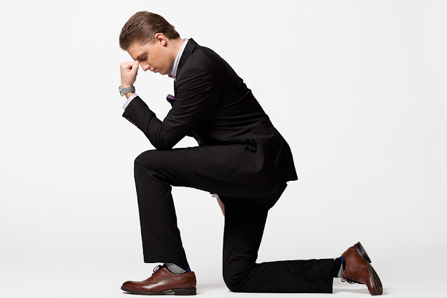 Tebowing%252C+Suited+up+Drew+Steliga+for+Savvy+Spice+blog+NYE+post+