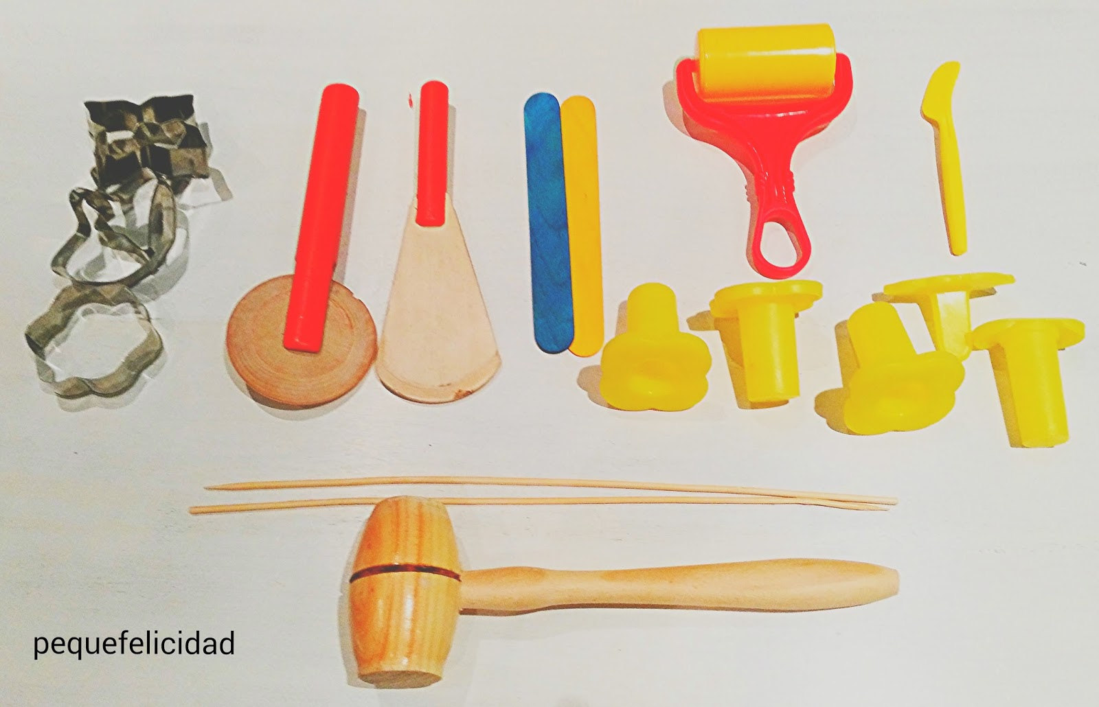 Pequefelicidad modelar 12 materiales creativos para for Casa para herramientas