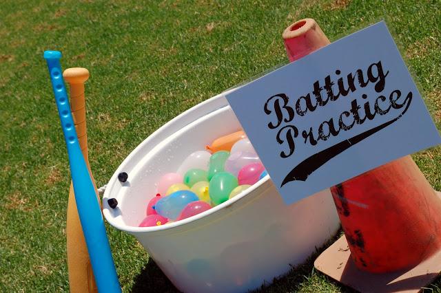 béisbol con globos de agua