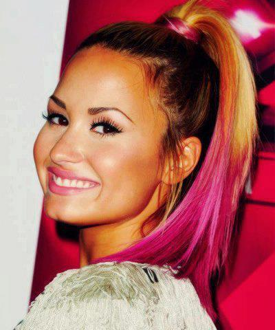 demi lovato's pink ombre hair