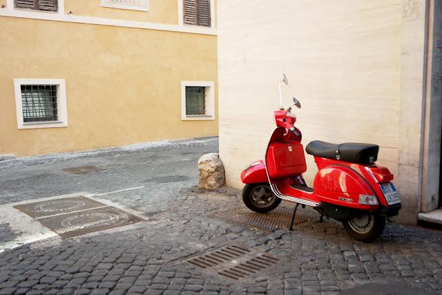 Roma, Rome, blog, vlog, road trip, Monti, Barberini, Cavour, Tibre, scooter,