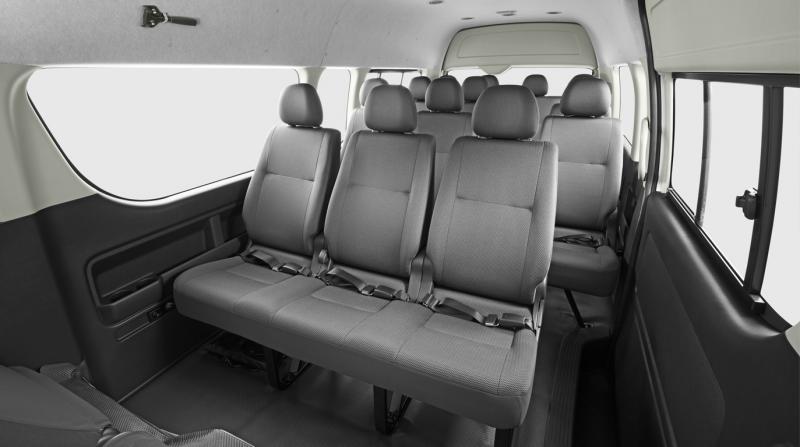 Interior Toyota Hiace Commuter
