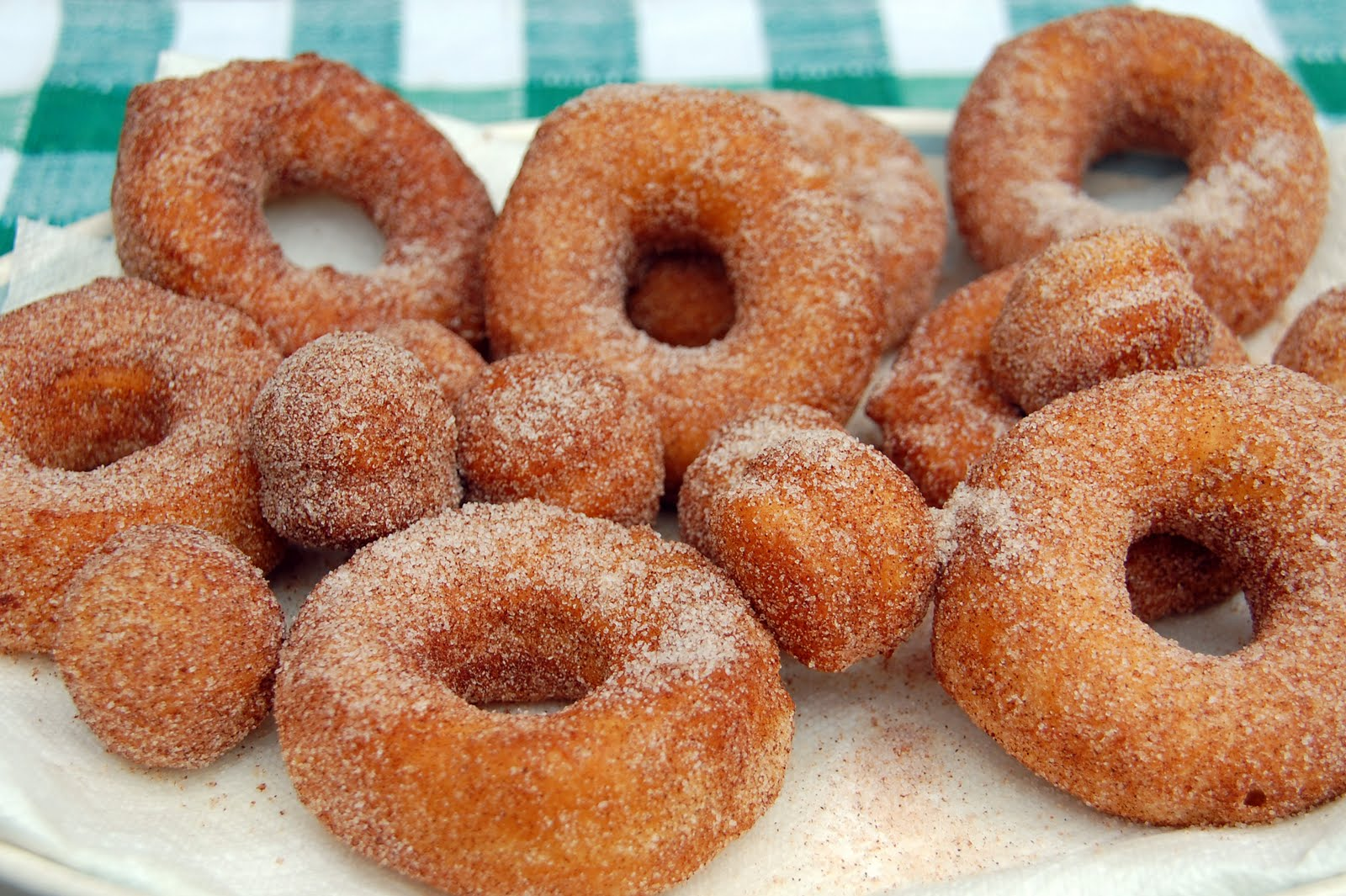 "Southern Lady's Recipes: Easy ""Homemade"" Doughnuts"