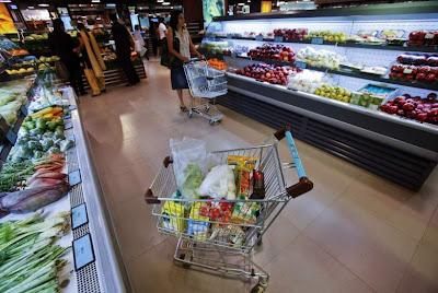 Fruta y verdura en el supermercado
