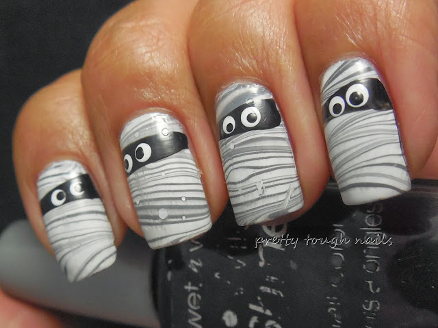 Halloween Watermarble Mummies Nail Art