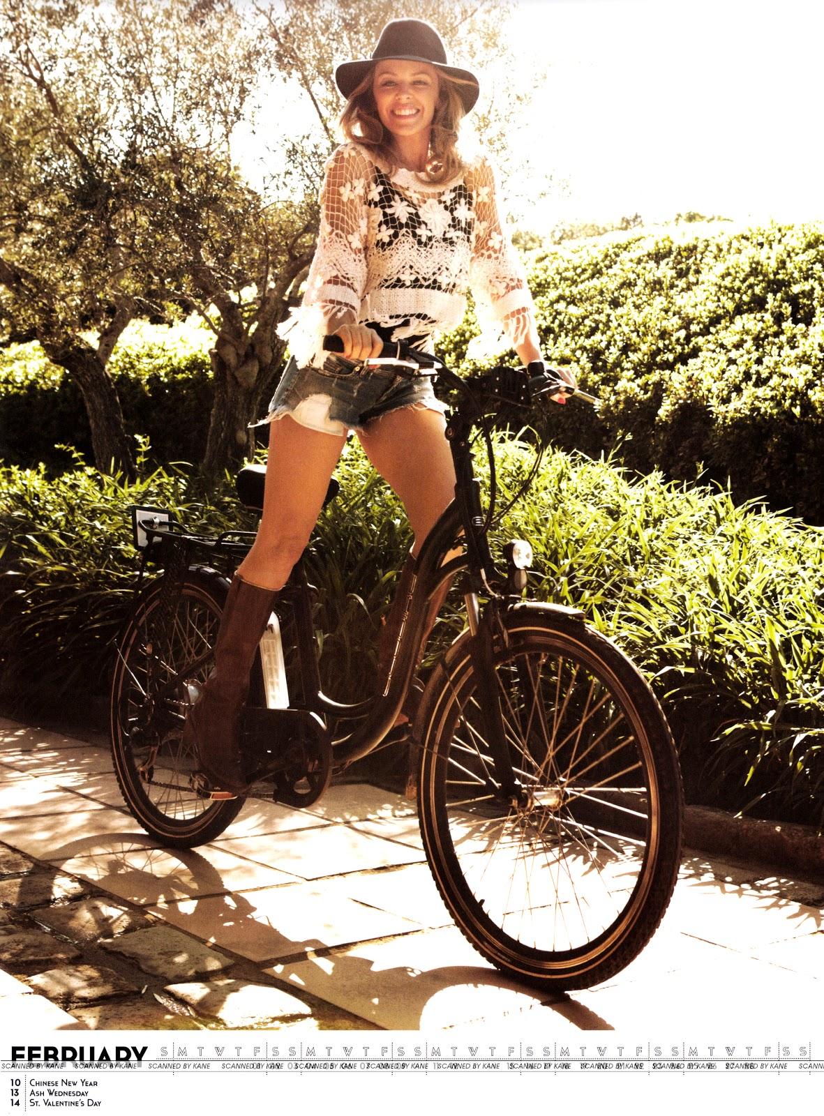 http://1.bp.blogspot.com/-zSy0o-Ir3F0/UHwAGAc9ilI/AAAAAAAATS4/oR-LY_wwNg0/s1600/Kylie+Minogue+-+Official+2013+Calendar+-03.jpg
