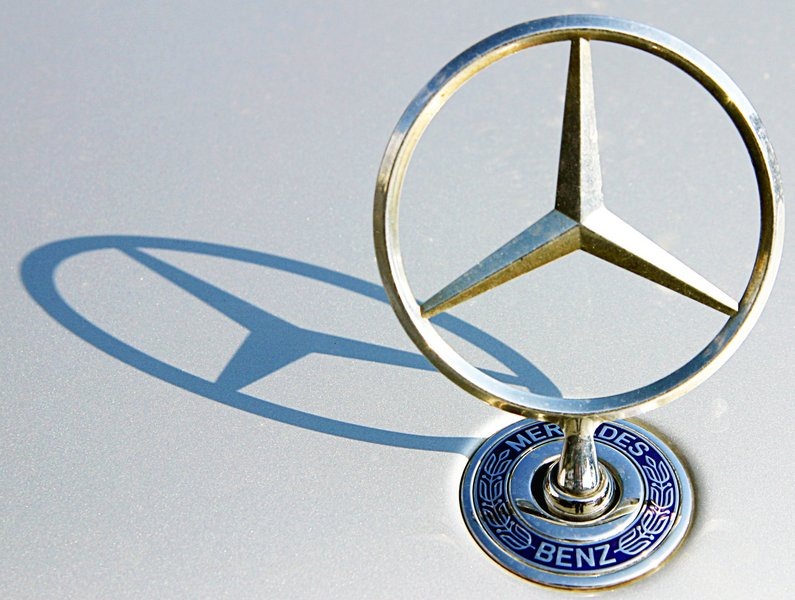 ... Oldtimers en Meer : Restaurateur rijdt kapitale Mercedes 300 SL stuk: janwib.blogspot.com/2013/03/restaurateur-rijdt-kapitale-mercedes.html