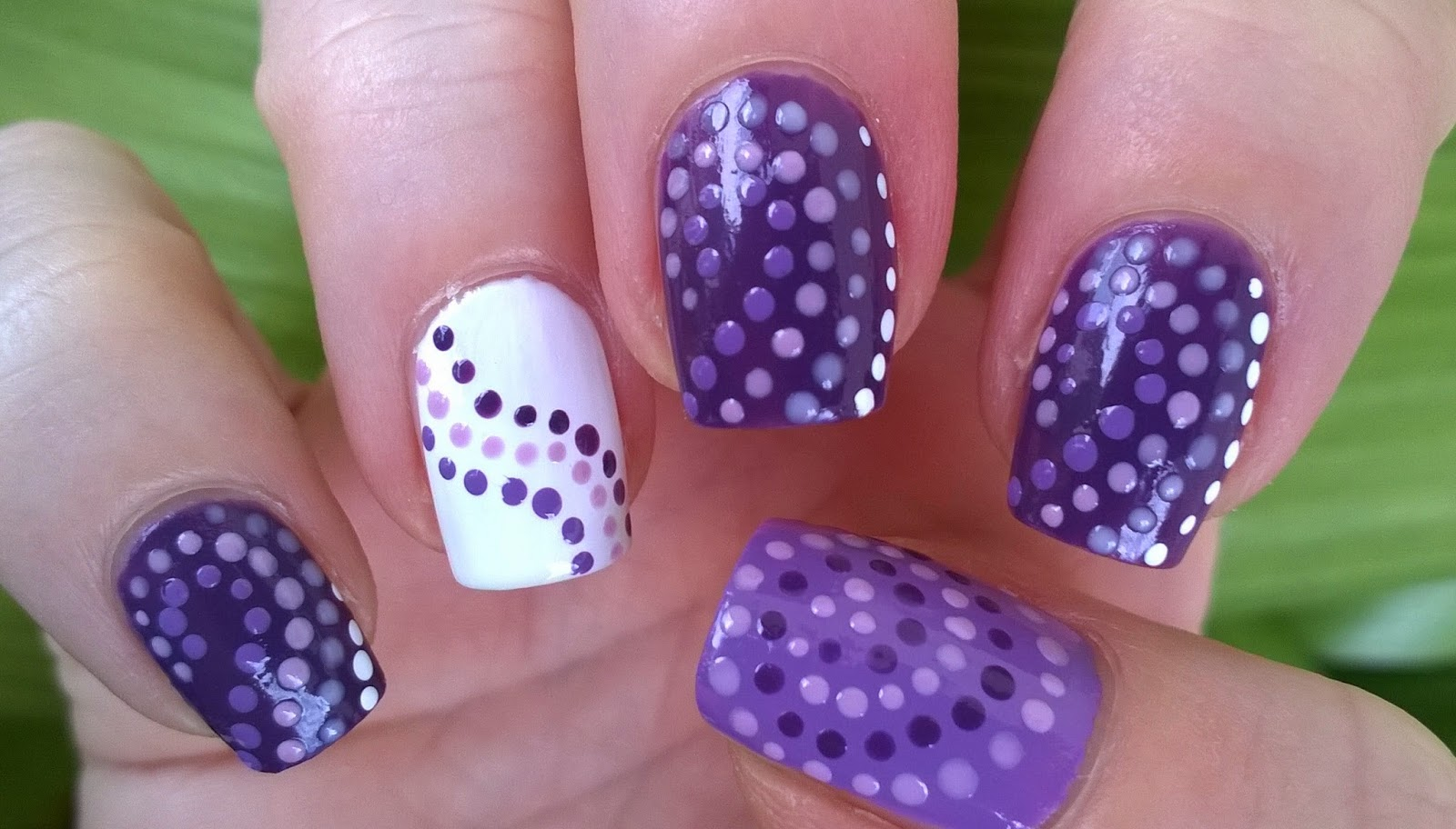 Life World Women: Violet Dot Nail Art - Three Easy Nail Designs
