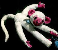 http://translate.googleusercontent.com/translate_c?depth=1&hl=es&rurl=translate.google.es&sl=en&tl=es&u=http://freevintagecrochet.com/toy-patterns/coats307/baby-monkey-pattern&usg=ALkJrhhXTVNys0vFaX_lEpklw4gy7d2dJA