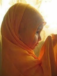 Gambar DP BBM Doa Islami Anak Lucu Berjilbab untuk Orang Tua Ayah Ibu