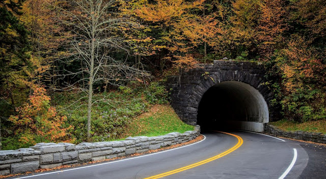 TUNNEL GREAT SMOKY MOUNTAINS NATIONAL PARK -USA
