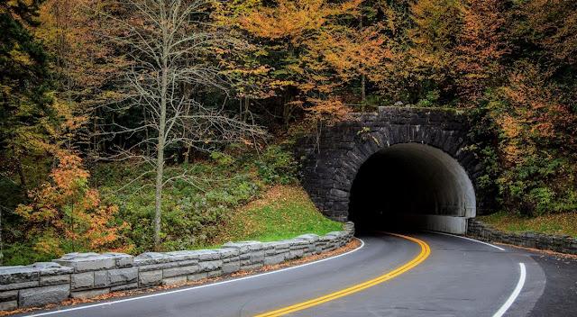 TUNNEL GREAT SMOKY MOUNTAINS NATIONAL PARK -USA